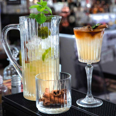 2 jarras de agua y bebidas en diseño de lujo decorado con cristales ecológicos - Senzatempo