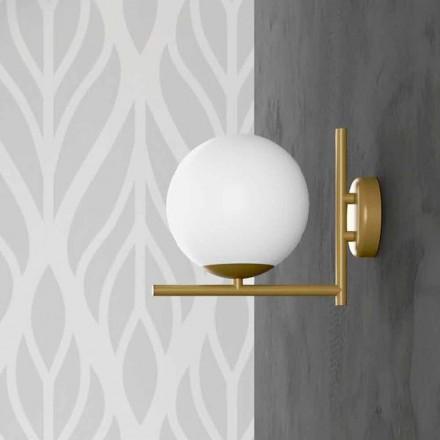 Lámpara de pared moderna en metal acabado latón y vidrio opal Made in Italy - Carima