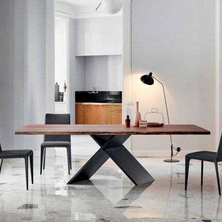Mesa de diseño Bonaldo Axe en madera con bordes naturales fabricada en Italia