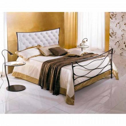 Una cama de plaza y media Hierro forjado Hydra Capitonnè