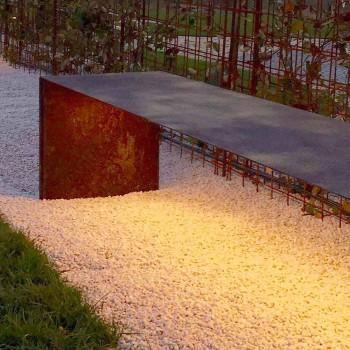Banco de exterior hecho a mano en acero con luz LED Made in Italy - Magdalena