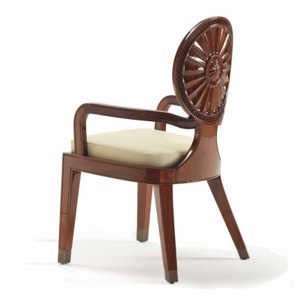 Silla Nicole con brazos acolchados en madera lisa, diseño de lujo